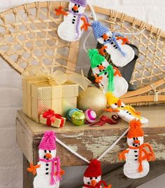 Crocheted Snowmen DIY Garland | One of the cutest crochet projects there is!