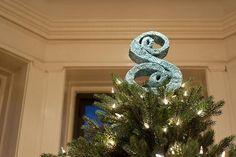 DIY Christmas Crafts : DIY Sparkly Monogram Tree Topper