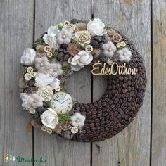Christmas Time, Christmas Wreaths, Fall Decor, Holiday Decor, Quilling, Diy And Crafts, Mosaic, Floral Wreath, Easter
