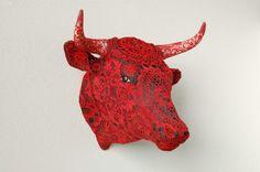 Joana Vasconcelos - Rafael Bordalo Pinheiro acrylic painted faience, bobbin lace .  Wang 2012