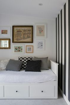 Ikea hemnes bed option for guest room/office Ikea Hemnes Daybed, Hemnes Day Bed, Ikea Hack Lit, Cama Ikea, Daybed Room, Sofa Bed, Murphy Bed Ikea, Guest Room Office, Guest Rooms