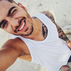 Noticias y Música de Maluma para Descargar | Pretty Boy