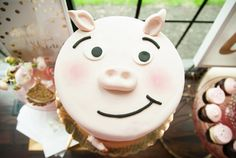 Pig Birthday Cake by Kelsey Elizabeth Cakes Pig Birthday Cakes, 1st Birthday Parties, Balloon Garland, Balloons, Kids Party Decorations, Party Ideas, Twins 1st Birthdays, Wedding Cakes, Projects To Try