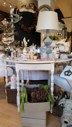 Join us as we take a peek inside the beautiful shop of stockist Sisters Unique in Newport News, VA   Via The Palette blog