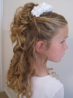 Bonnet hairstyle with ribbon fits well for school going girls