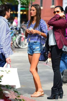 Alessandra ambrosio's Street style...
