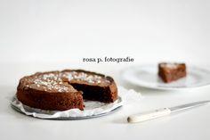 schokokuchen receipe of the week :: schokoladen kuchen mit haselnuessen