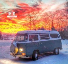 Buenos días!!Nos vamos a la nieve?❄️❄️❄️ O preferimos playita? #volkswagen #kombi #combi #alquilame #barcelona
