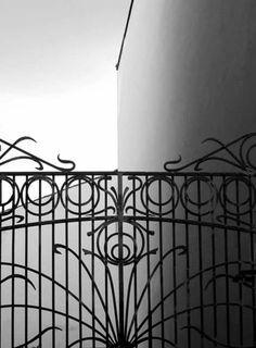 Massimo Macola e le sue geometrie in Via Stringher