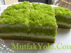 Green Cake, Turkish Sweets, Turkish Recipes, Ethnic Recipes, Spinach Cake, Pudding, Dessert Recipes, Desserts, Sweet Cakes
