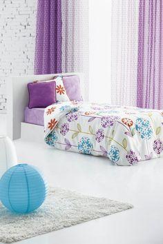 Idea para decoración de una habitación para chica. Tejido Azucena de Scenes by Vanico.