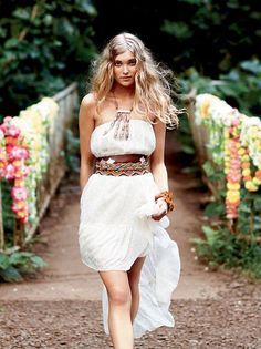 I love that belt. I'm turning the fashion i wear more and more boho. Especially for the summer. I just love it.