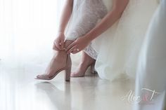 Dreams Resort Cabo San Lucas Wedding- Alec and T Photography. Destination weddings in Cabo San Lucas Mexico are not only beauti Sexy Wedding Shoes, Dreams Resorts, Cabo San Lucas Mexico, Destination Wedding, Dream Wedding, Bride, Photography, Fashion, Fotografie
