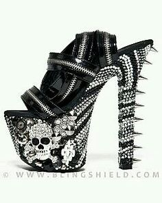Extreme shoes - zipp it, pin it, skull it
