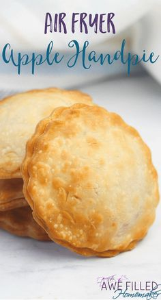 These Air Fryer Apple Hand Pies are a great idea for breakfast, brunch, snack, or dessert! Air Fryer Apple Hand Pies - *P. This content uses affiliate links. Read our disclosure policy for more info. Air Fryer Oven Recipes, Air Frier Recipes, Air Fryer Dinner Recipes, Air Fryer Recipes Potatoes, Air Fryer Recipes Vegetables, Recipes Dinner, Apple Hand Pies, Apple Recipes, Fall Recipes