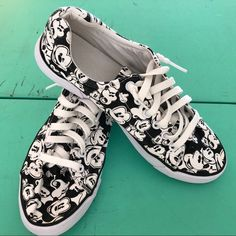 1170 Best Disney Foot Wear images Chaussures Disney, moi aussi  Disney shoes, Me too