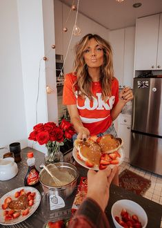 Be my Valentine Pancakes on Valentines day photoshoot editorial Be my Valentine Valentine Picture, Valentines Day Pictures, Be My Valentine, Valentines Outfits, Valentine's Day Quotes, Valentine's Day Outfit, Outfit Of The Day, Sei Mein Valentinsschatz, Instagram Pose