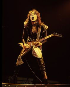 Creatures of The Night-Vincent Kiss Images, Kiss Pictures, Band Pictures, 80s Hair Metal, Hair Metal Bands, Rock N Roll Music, Rock And Roll, Vinnie Vincent, Eric Carr