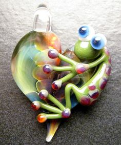 Valentines Day - Frog pendant - glass heart lampwork pendant focal bead necklace - Boomwire Glass jewelry