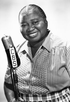 Hattie McDaniel biography and accomplishments - 13 black women who've changed history: famous black women