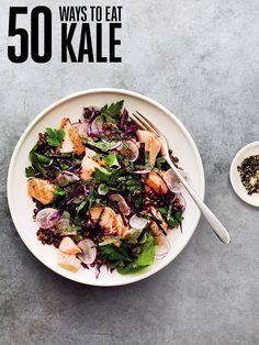 Eat Clean: Supercharge Your Diet With These Antioxidant-Rich Meals:Anti-inflammatory foods rich in antioxidants and are key to a healthy you. Boost your intake with these dishes. Kale Recipes, Vegetable Recipes, Cooking Recipes, Healthy Recipes, Healthy Dinners, Healthy Foods, Fit Foods, Healthy Detox, Salads