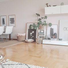 Eben kam ein Paket mit neuen Körben 😍 sagte ich schon, dass ich Körbe liebe? 😬🤪 einen schönen Tag wünsche ich euch! {Werbung} #atmine#bolig #nordichome #nordicinspiration #wohnkonfetti #wohneninweiss #housedoctor#inspohome#interiordesign#interior2you#interior2all#interior4all#interior444#interior123#kleinerfeinerfeed#germaninteriorbloggers#livingroom#mywestwingstyle#myhome#scandinaviandesign#scandinavianhome#bohointerior#