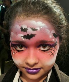 Face Painting - Halloween - using stencils Mais Face Painting Halloween Kids, Girl Face Painting, Face Painting Designs, Painting For Kids, Paint Designs, Body Painting, Face Painting Themes, Bat Makeup, Witch Makeup