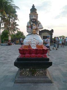 En la entrada a Tanah Lot