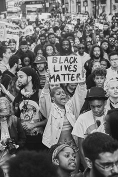 """onyourtongue: """" Black Brits standing in solidarity with our black family over in the states. This is such a powerful shot. - taken by Philipp Raheem 08/07/2016 """""""
