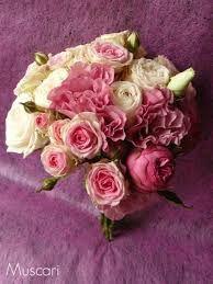 Znalezione obrazy dla zapytania bukiet ślubny z różowych róż