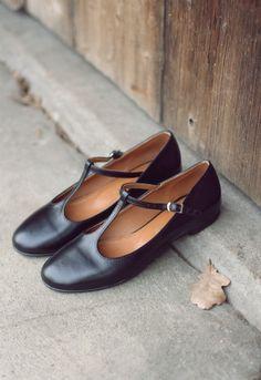 MIUMMASH shoes, retro.