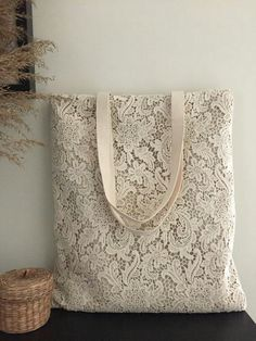 shabby SALE Handmade Shabby Chic Cotton Wedding Bag, Lace Bag, Lace Tote, Vintage Style, Ivory / Off Bodas Shabby Chic, Shabby Chic Style, Shabby Chic Decor, Rustic Chic, Sacs Tote Bags, Lace Bag, Chic Wedding, Wedding Bags, Wedding Vintage