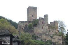 Belcastel (Aveyron, France Le château fort