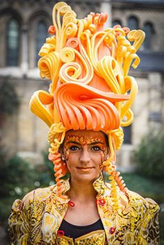 Foampruik / foamwig / pruik / wig made of foam from FollyFoam. Great for carnaval, fasching, cosplay, theater, dragqueen, etc.