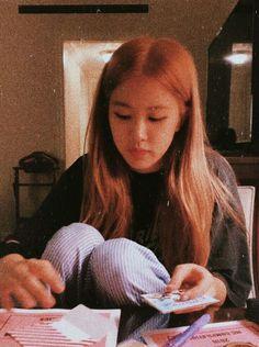 Jennie Lisa, Blackpink Lisa, Foto Rose, Rose Park, Rose Wallpaper, Blackpink Photos, Park Chaeyoung, Yg Entertainment, K Idols