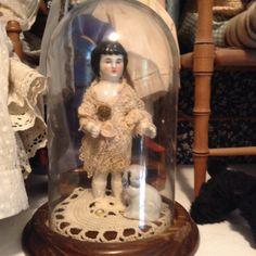 Cloche Decor, The Bell Jar, China Dolls, Dollhouse Dolls, Art Furniture, Collector Dolls, Glass Domes, Vintage Love, Antique Dolls