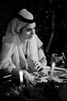 Cartomante - Fortune teller By: Roberto Spinicci Divine Tarot, Queen Of Spades, Vintage Gypsy, Fortune Telling, Tarot Readers, Dark Photography, Moon Art, Card Reader, Tarot Decks