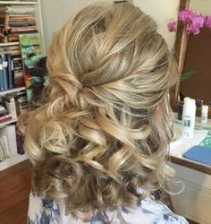 Curly Half Up Hairstyle For Medium Hair Formal Hairstyles For Long Hair, Bride Hairstyles, Down Hairstyles, Hairstyle Ideas, Hair Ideas, Hairstyles 2018, Everyday Hairstyles, Pixie Hairstyles, Half Up Half Down Short Hair