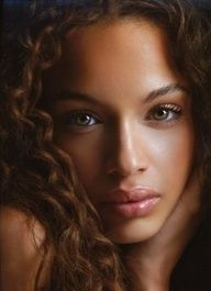 The curls of her hair and her eyes that pierce into your soul... - ♀ www.pinterest.com/WhoLoves/Beautiful-Women ♀ #beautiful #women