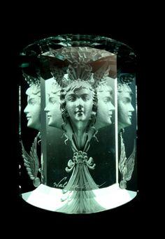 agameofclothes:    Aquamarine engraved heirloom of Maiden Pool