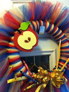 I Heart Decorating!: Back to School Tulle Wreath