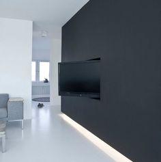 Audio doek op tv meubel om centre speaker te verbergen for Donker interieur