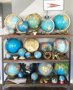 Antique Vintage Decor Vintage world globes for a coffee room Antique Vintage Maps, Vintage Decor, Vintage Display, Antique Maps, Vintage Market, Globes Terrestres, World Globes, Snow Globes, Home Decor Ideas