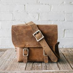 https://fancy.com/things/1035479614098513181/Minimalist-Leather-Camera-Bag?ref=ffemail