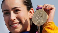 Famosos en Twitter felicitan a Mariana Pajón
