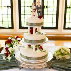 Andrea Paul S Real Wedding Clic Cake Marks And Spencer