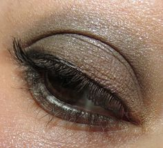 Becca ECLIPSED Ultimate Eye Colour Quad #Swatches, #Review & #EOTD