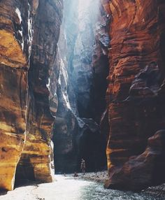 Wadi Mujib Jordan  Photography by: @Lebackpacker by epictravelpage
