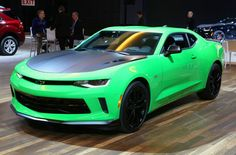 2017 Chevrolet Camaro 1LE was unveiled at the Chicago Auto Show. It is offered in V6 and V8 engine variants and we have all the info on it.