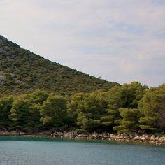Anchoring at a little bay.  #sailing #sailinglife #sail #sailor #sailingtrip #sailingyacht #anchoring #anchor #sailboat #bay #gulf #adriaticsea #sailyacht #croatia #sea #tenger #summer #memories #vitorlázás #mik #ikozosseg by radoczgabor